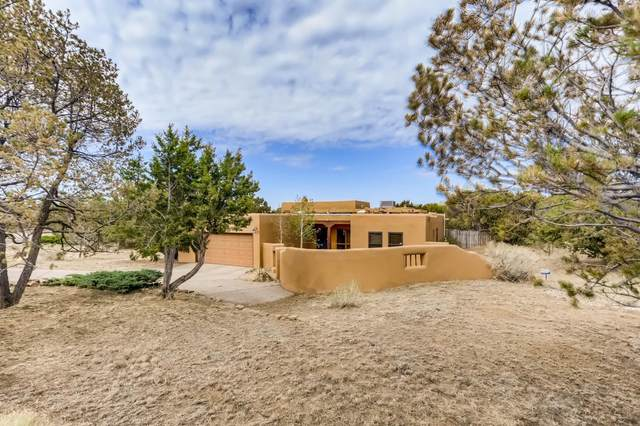 2220 Calle Alvarado, Santa Fe, NM 87505 (MLS #202101933) :: Summit Group Real Estate Professionals