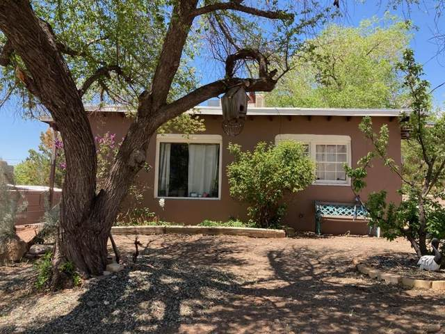 608 Pinon, Santa Fe, NM 87501 (MLS #202101937) :: Summit Group Real Estate Professionals
