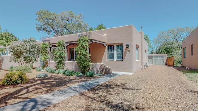 237 Anita Place, Santa Fe, NM 87505 (MLS #202101958) :: Berkshire Hathaway HomeServices Santa Fe Real Estate