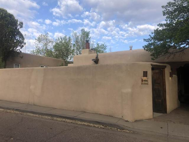 994 Don Manuel, Santa Fe, NM 87505 (MLS #202101960) :: Berkshire Hathaway HomeServices Santa Fe Real Estate