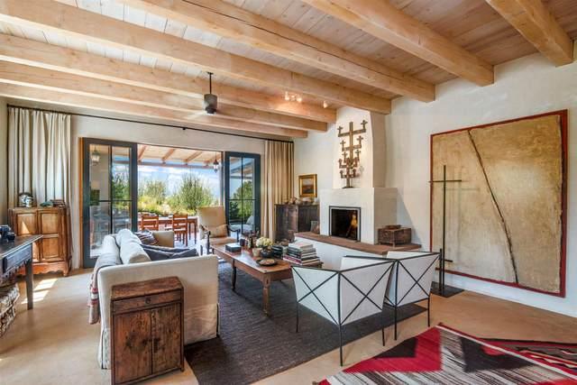 10 Vista Chupadero, Santa Fe, NM 87506 (MLS #202101968) :: Berkshire Hathaway HomeServices Santa Fe Real Estate