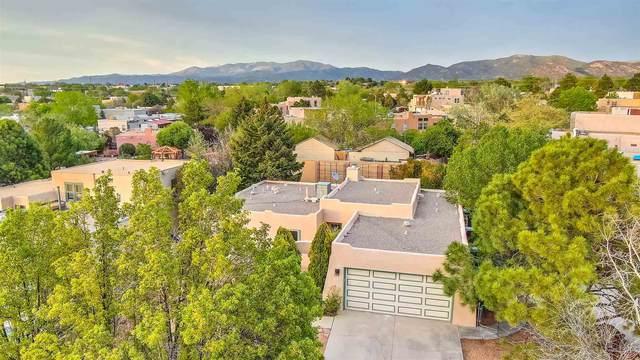 2122 Avenida De Las Alturas, Santa Fe, NM 87505 (MLS #202101971) :: Summit Group Real Estate Professionals