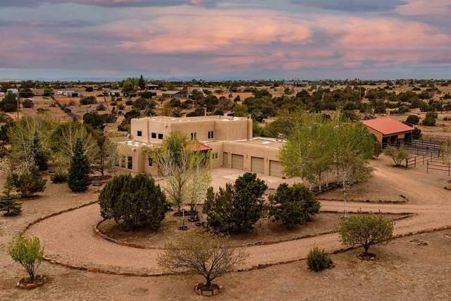 62 Vaquero Rd, Santa Fe, NM 87508 (MLS #202101992) :: The Very Best of Santa Fe