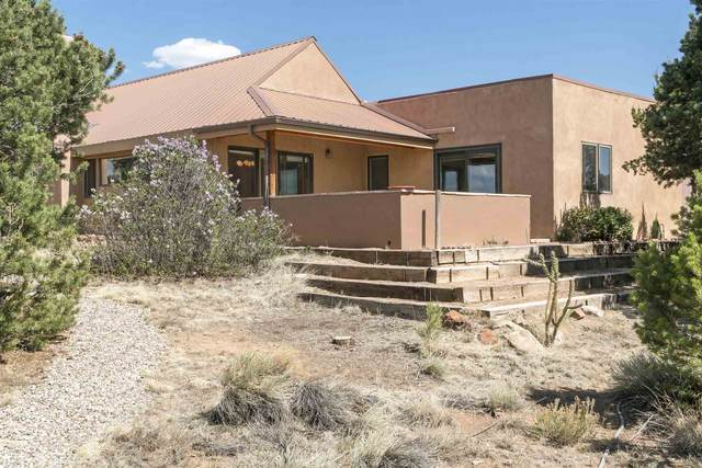 35 E Wildflower, Santa Fe, NM 87506 (MLS #202102006) :: Berkshire Hathaway HomeServices Santa Fe Real Estate