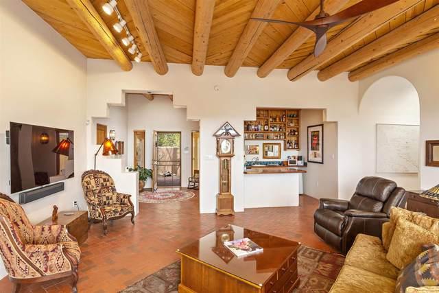 1 Glorieta Road, Santa Fe, NM 87508 (MLS #202102063) :: Summit Group Real Estate Professionals