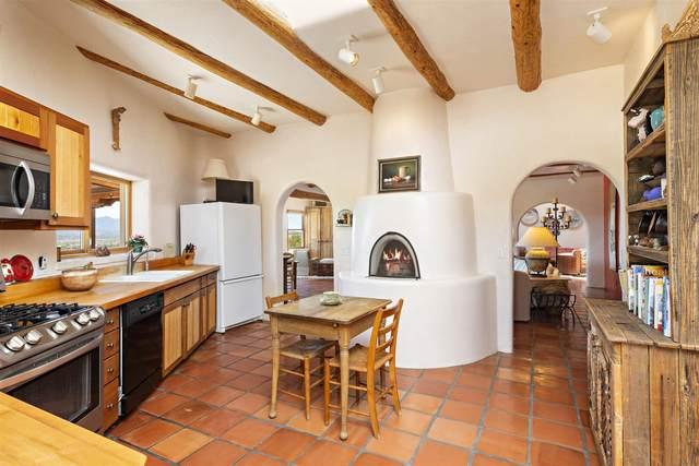 35 Camino Cabreros, Galisteo, NM 87540 (MLS #202102150) :: Summit Group Real Estate Professionals
