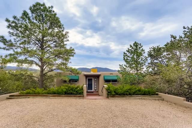 703 Paseo De La Loma, Santa Fe, NM 87501 (MLS #202102196) :: Summit Group Real Estate Professionals