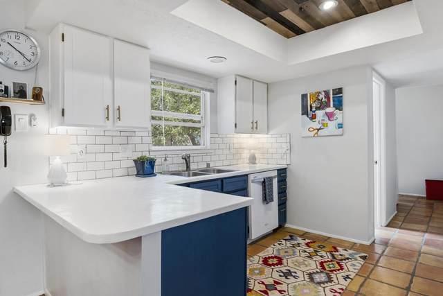 2702 Plazuela Serena, Santa Fe, NM 87505 (MLS #202102239) :: Berkshire Hathaway HomeServices Santa Fe Real Estate