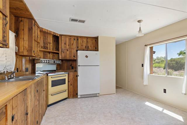 House 31A County Road 41, Private Drive 1098, Velarde, NM 87582 (MLS #202102270) :: Summit Group Real Estate Professionals
