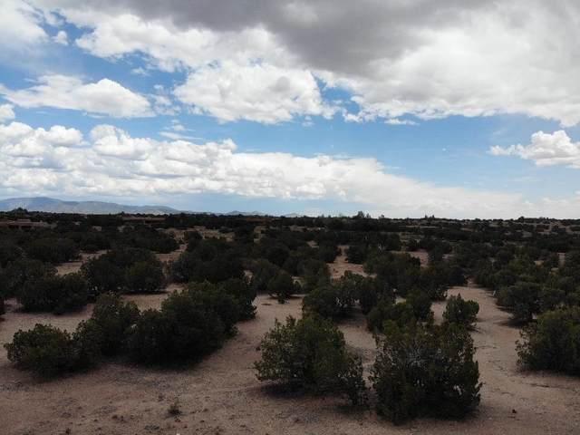 4 NW Rain Dance, Santa Fe, NM 87506 (MLS #202102362) :: Berkshire Hathaway HomeServices Santa Fe Real Estate