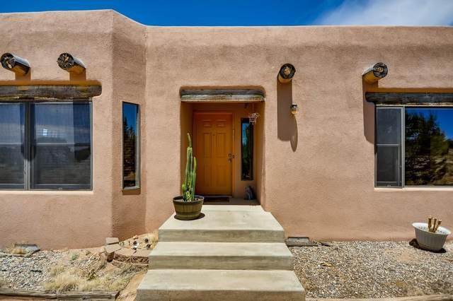 13 Domingo Road, Santa Fe, NM 87508 (MLS #202102446) :: Neil Lyon Group | Sotheby's International Realty