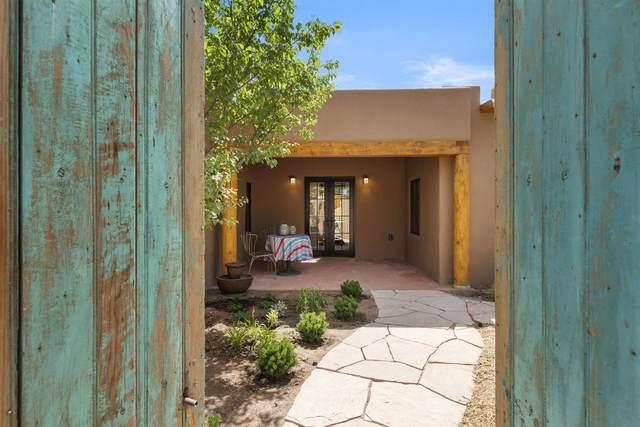 139 Candelario, Santa Fe, NM 87501 (MLS #202102498) :: Berkshire Hathaway HomeServices Santa Fe Real Estate