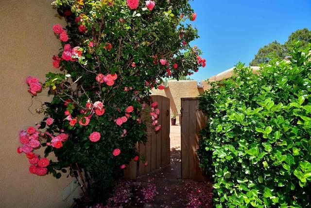 2817 Plaza Rojo, Santa Fe, NM 87507 (MLS #202102504) :: Berkshire Hathaway HomeServices Santa Fe Real Estate