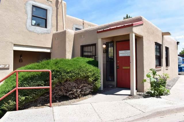 1221 Saint Francis C, Santa Fe, NM 87505 (MLS #202102509) :: Berkshire Hathaway HomeServices Santa Fe Real Estate