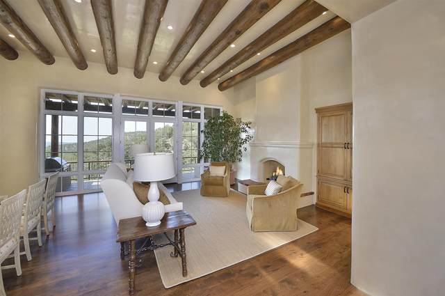 1605 Camino De Cruz Blanca, Santa Fe, NM 87505 (MLS #202102513) :: Summit Group Real Estate Professionals