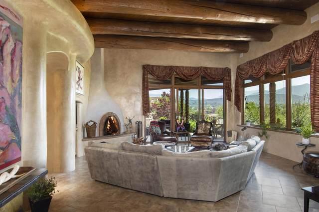 536 Camino Los Altos, Santa Fe, NM 87501 (MLS #202102576) :: Stephanie Hamilton Real Estate