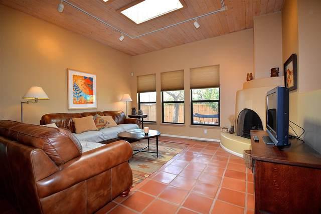 2812 Plaza Verde, Santa Fe, NM 87507 (MLS #202102614) :: Neil Lyon Group | Sotheby's International Realty