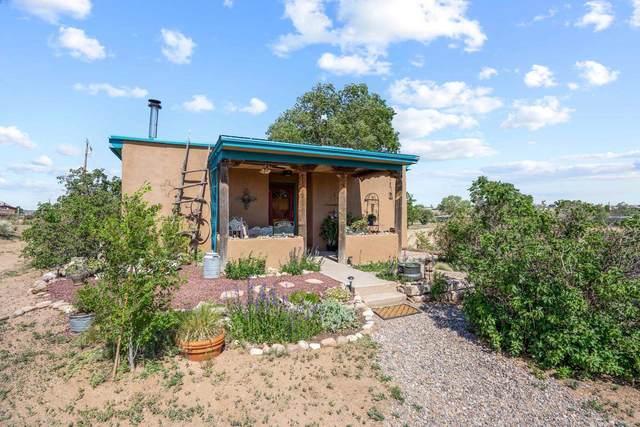 37 B Nambe West, Santa Fe, NM 87505 (MLS #202102619) :: Berkshire Hathaway HomeServices Santa Fe Real Estate