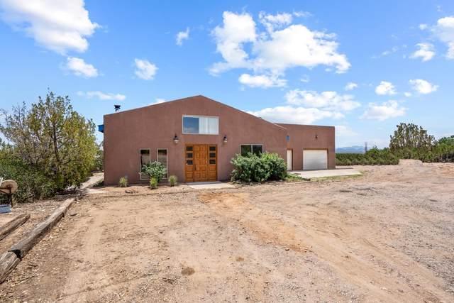 88 N Paseo De Angel, Santa Fe, NM 87507 (MLS #202102624) :: Berkshire Hathaway HomeServices Santa Fe Real Estate