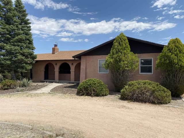 126 Piedra Loop, Los Alamos, NM 87544 (MLS #202102656) :: Berkshire Hathaway HomeServices Santa Fe Real Estate