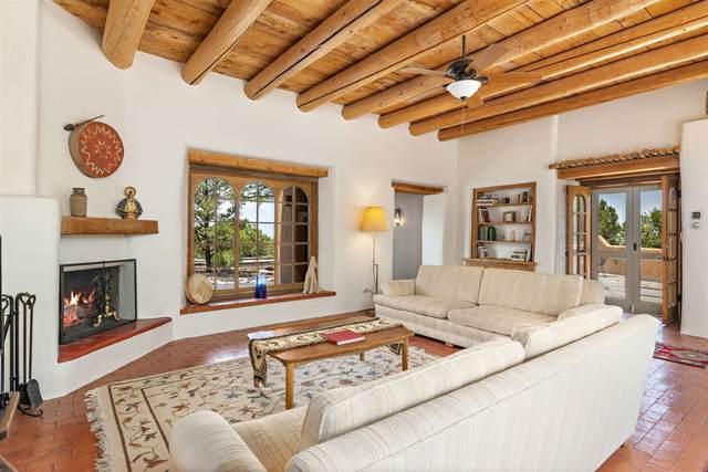 44 Paseo Encantado Sw, Santa Fe, NM 87506 (MLS #202102670) :: Stephanie Hamilton Real Estate