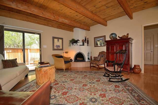 2981 Plaza Azul, Santa Fe, NM 87507 (MLS #202102777) :: Summit Group Real Estate Professionals