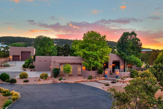 12 Western Saddle Court, Albuquerque, NM 87059 (MLS #202102782) :: The Very Best of Santa Fe