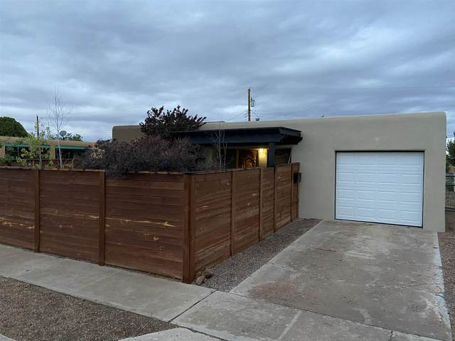 1020 Calle Margarita, Santa Fe, NM 87507 (MLS #202102800) :: Summit Group Real Estate Professionals