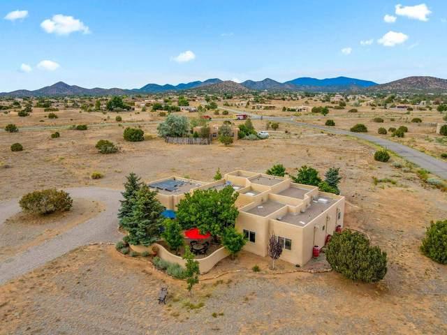 3 Foxglove Ct, Santa Fe, NM 87508 (MLS #202102857) :: Summit Group Real Estate Professionals