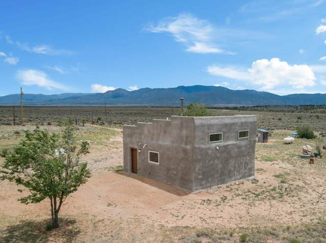 59 Fasthorse Rd, Carson, NM 87517 (MLS #202102914) :: The Very Best of Santa Fe