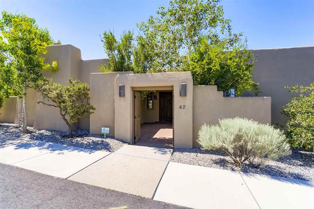 42 E Via Plaza Nueva, Santa Fe, NM 87507 (MLS #202102936) :: Summit Group Real Estate Professionals