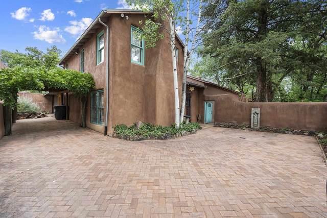 952 Acequia Madre, Santa Fe, NM 87505 (MLS #202102956) :: Neil Lyon Group | Sotheby's International Realty