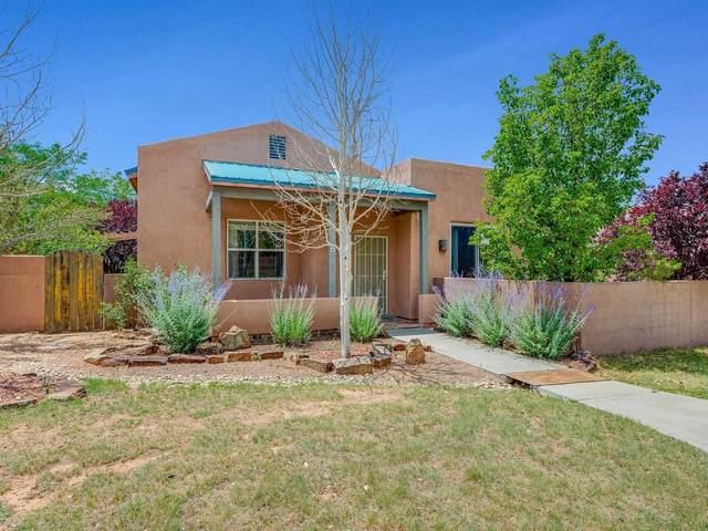 4 Shannon Court, Santa Fe, NM 87508 (MLS #202102964) :: Neil Lyon Group | Sotheby's International Realty