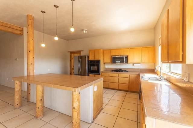 6 Avenida De Mercedes, Santa Fe, NM 87506 (MLS #202102967) :: Summit Group Real Estate Professionals