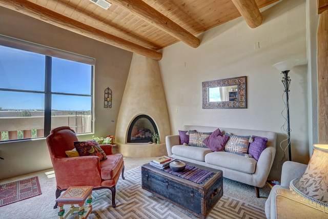1405 Vegas Verdes #211, Santa Fe, NM 87507 (MLS #202102989) :: Summit Group Real Estate Professionals