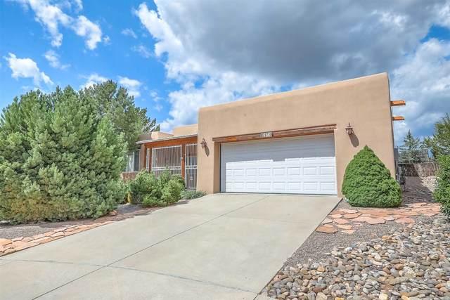 2736 Pradera, Santa Fe, NM 87505 (MLS #202102992) :: The Very Best of Santa Fe