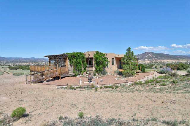 10 Mission Place, Abiquiu, NM 87510 (MLS #202103035) :: Summit Group Real Estate Professionals