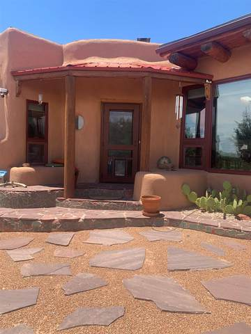 111 Silver Hills Road, Santa Fe, NM 87508 (MLS #202103130) :: Neil Lyon Group | Sotheby's International Realty