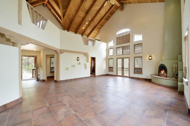 116 Apache Ridge, Santa Fe, NM 87505 (MLS #202103149) :: Summit Group Real Estate Professionals