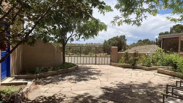 16 Firerock Road, Santa Fe, NM 87508 (MLS #202103190) :: Neil Lyon Group | Sotheby's International Realty