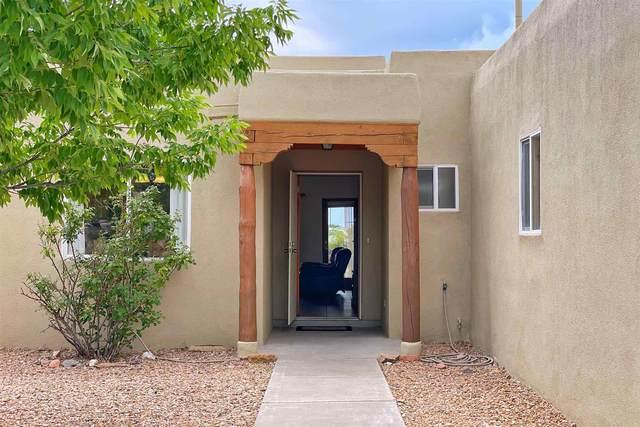 3120 Jacona, Santa Fe, NM 87507 (MLS #202103204) :: The Very Best of Santa Fe