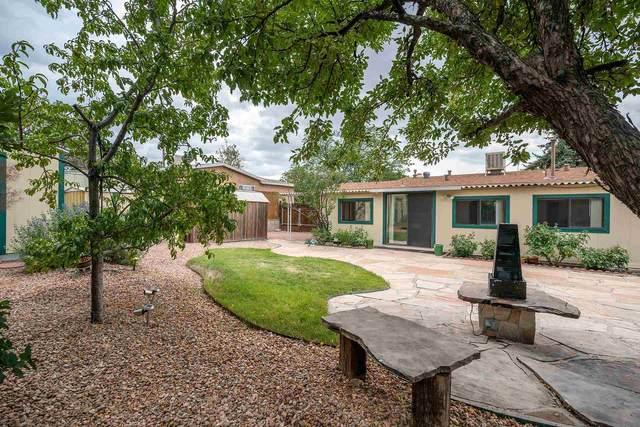 2413 Camino Agua Azul, Santa Fe, NM 87507 (MLS #202103251) :: The Very Best of Santa Fe