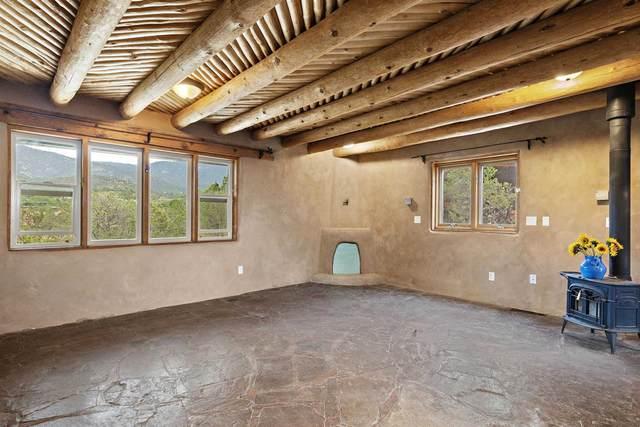 627 Camino De La Luz, Santa Fe, NM 87505 (MLS #202103283) :: Stephanie Hamilton Real Estate