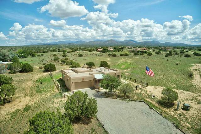 18 Encantado Road, Santa Fe, NM 87508 (MLS #202103311) :: Summit Group Real Estate Professionals