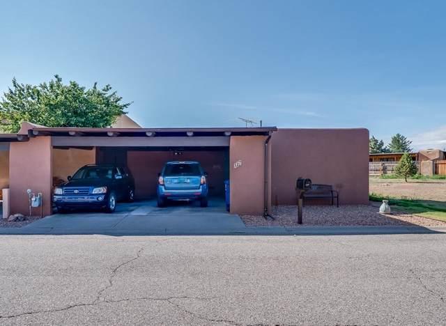 327 Cheryl Court, Los Alamos, NM 87544 (MLS #202103320) :: Summit Group Real Estate Professionals