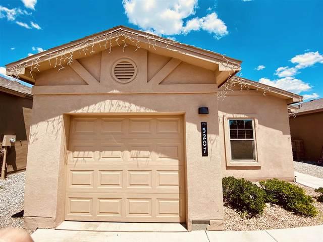 5207 Via Del Cielo, Santa Fe, NM 87507 (MLS #202103339) :: Berkshire Hathaway HomeServices Santa Fe Real Estate