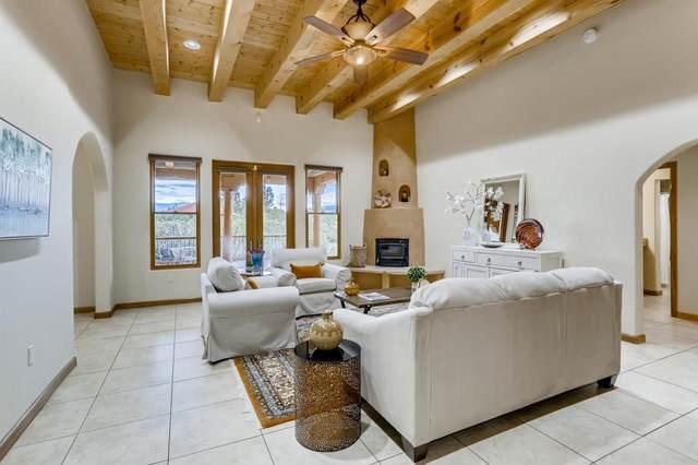 50 Entrada, Santa Fe, NM 87507 (MLS #202103354) :: Summit Group Real Estate Professionals