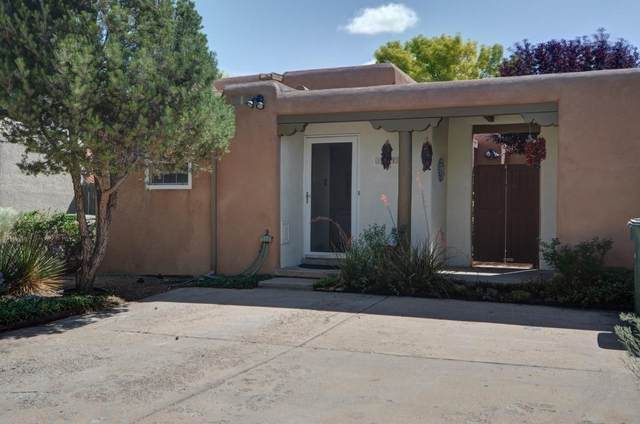 2073 Placita De Quedo, Santa Fe, NM 87505 (MLS #202103385) :: Neil Lyon Group | Sotheby's International Realty