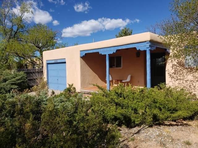 2599 Camino Chueco, Santa Fe, NM 87505 (MLS #202103412) :: Summit Group Real Estate Professionals