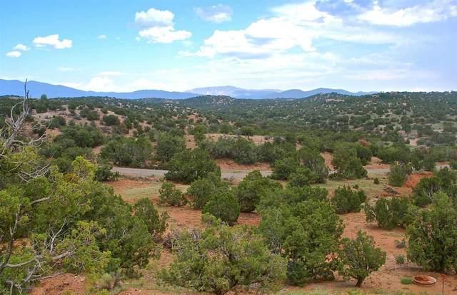 160 Estrada Redonda, Lot 87, Santa Fe, NM 87506 (MLS #202103546) :: Berkshire Hathaway HomeServices Santa Fe Real Estate